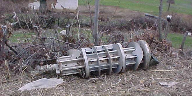 Më 27 mars 1999, dy aeroplanë bombardues të Serbisë kishin sulmuar vend-ndodhjen e Radios Kosova e Lirë