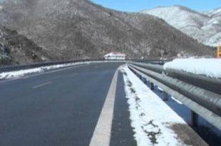 MIT: Kompanitë e kontraktuara për mirëmbajtje të rrugëve në sezonin dimëror janë të gatshme për të pastruar rrugët