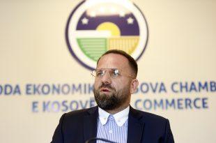 Berat Rukiqi: Tubimet e partive politike po i bëjnë të pavlera të gjitha masat kundër korona virusit