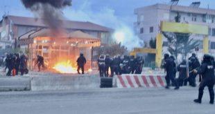 """Protesta në """"Astir"""" të Tiranës, në disa medie e portale shqip, barazohet me luftën kundër regjimit të Milosheviqit"""