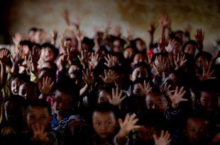 Save the Children: Uria, sëmundja dhe mungesa e ndihmës vrasin 300 fëmijë në ditë në zonat e luftës në mbarë botën