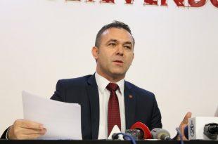 Selimi: Kufijtë e Kosovës qenkan në rrezik, sepse mbi një trup të shtrirë e të përkulur, sikur ai i Thacit, kalon shumëçka
