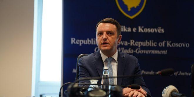 Ministri Selimi: Republika e Kosovës mund t'i humbas 300 milionë euro në arbitrazh