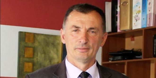 Rasim Selmanaj, thotë që Qeveria e Kosovës mbetet e palëkundur në raport me heqjen e taksës