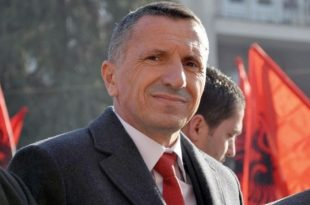 Shaip Kamberi paralajmëron se shumë shpejt do ta vendosë edhe flamurin e Kosovës në Kuvendin e Serbisë