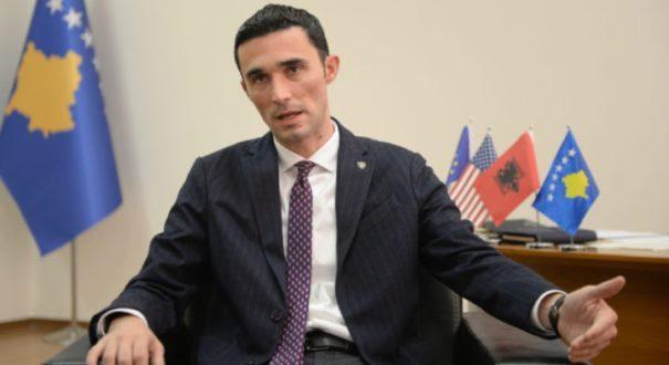 Reagimi i ministrit Endrit Shala kundër paralajmërimit se Serbia do ta dërgojë Kosovën në arbitrazh lidhur me taksën