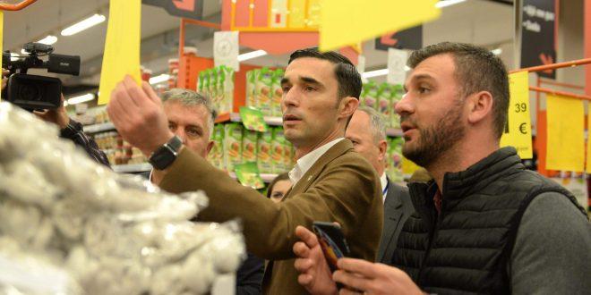 Ministri i MTI-së, Endrit Shala, bashkë me Inspektoratin ka dalë në terren për të inspektuar pikat shitëse ushqimore
