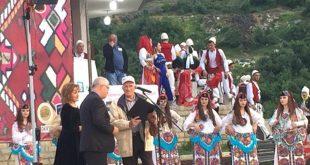 """Në hapje të festivalit """"Hasi jehon"""", Shaqir Hoti nderohet me mirënjohje për vepër jetësore"""