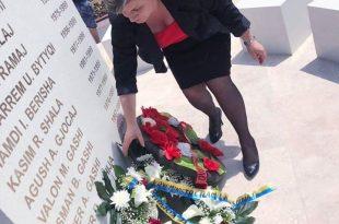 Sadete Shala: Duhet të përkulemi vetëm para varreve të dëshmorëve dhe ndaj policisë dhe ushtrisë së Kosovës
