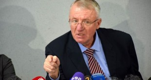 """Për """"meritat"""" e tij në vrasjen dhe masakrimin e myslimanëve të Bosnjes, Haga liroi të pafajshëm kriminelin, Sheshel"""