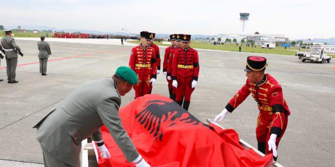 Sot në Shqipëri është shpallur dite zie kombëtare në nderim të nëntetares Zarife Hasanaj të rënë në krye të detyrës