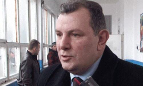 Shukri Buja: Qeveria duhet të shkojë në shtëpi, e Isa në pension