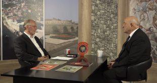 Bisedë në studion e TV-Diellit me dr. prof. Shyqri Galicën, studiues, poet, shkrimtar, kritik letrar, publicist, kryetar i Lidhjes së Shkrimtarëve të Kosovës