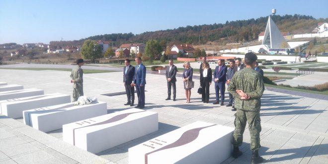 Ministria e Mjedisit dhe Planifikimit Hapësinor e mbështet komunën e Skenderajt me një milion euro
