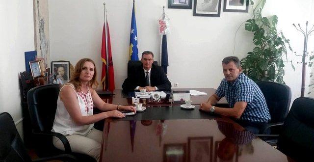 """Asllanaj priti në takim përfaqësuesit e Shoqatës """"Kosova"""" nga Fellbachu"""