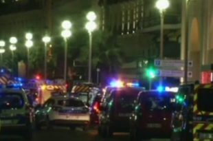Në Nicë të Francës shoferi i një kamioni ka sulmuar turmën dhe ka mbytur 80 qyetarë