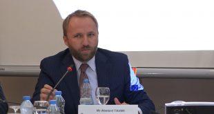 Ministri i Drejtësisë, Abelard Tahiri, ka raportuar në Komisionin për Legjislacion lidhur me procesin e rekrutimit të noterëve të rinj