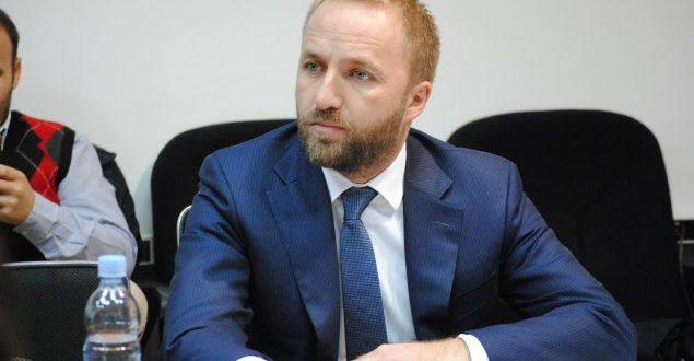 Tahiri: Shqetësuese që vendin e drejton një kryeministër që raportet e tij me SHBA nuk janë në nivelin e duhur