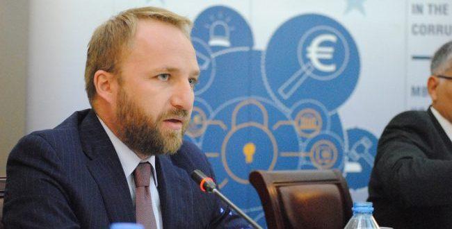 Ministri i Drejtësisë Abelard Tahiri thotë se duhet të rritet numri i noterëve të Kosovës