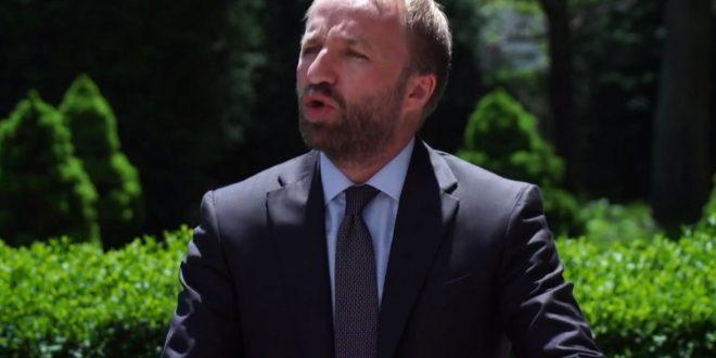 Abelard Tahiri: Ne nuk mund të lejojmë që ministrja e Punëve të Jashtme të flet me narracionin e ndërtuar në Beograd