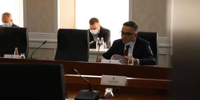 Besnik Tahiri: Kërkimi i hapjes së arkivave që nuk ekzistojnë është gabim substancial