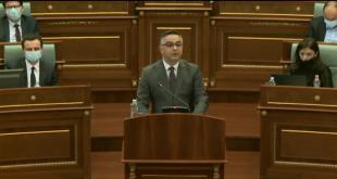 Besnik Tahiri nga AAK kërkon që kryeministri, Albin Kurti t'i raportojë Kuvendit sa më parë për takimin në Bruksel