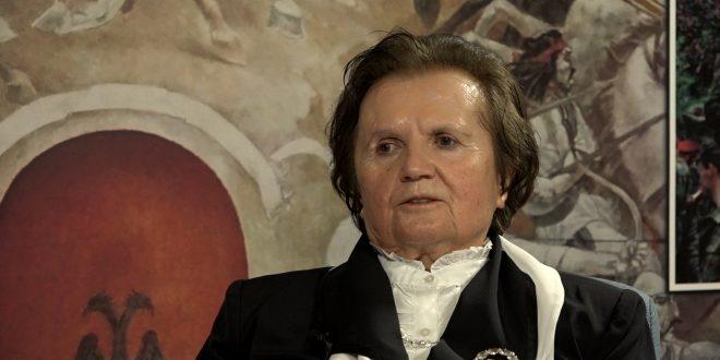 Tefta Cami-Cani: Enveri më tha se shqiptarët e Kosovës janë më atdhetarë, sepse luftojnë për bashkim dhe kundër okupimit