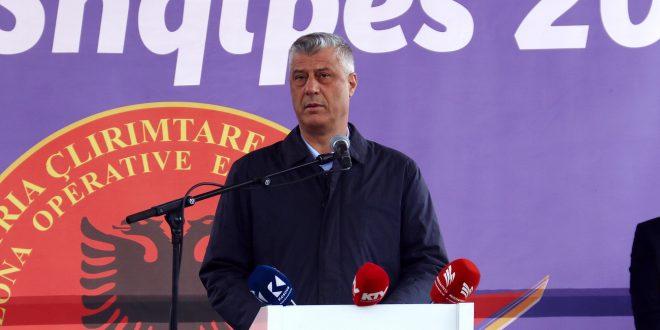 """Kryetari i vendit, Hashim Thaçi i ka dekoruar të gjithë dëshmorët e rënë në Betejën Kosharës me """"Urdhrin e Lirisë"""""""