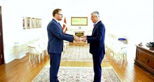 Kryetari Thaçi pranon letrat kredenciale nga ambasadori i Danimarkës, jo-rezident për Kosovë, Rene Rosager Dinesen