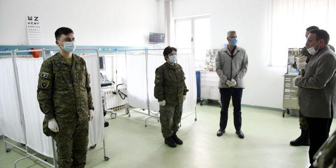 Kryetari, Hashim Thaçi vizitoi Qendrën Mjekësore të FSK-së
