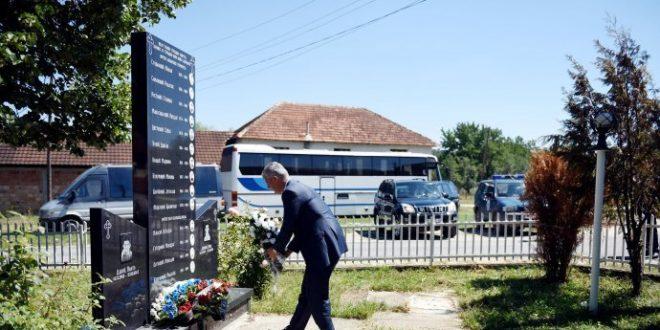 """Shoqata """"Përkorë"""": Kryetari Thaçi të ndaloj vizitat në përmdoret e serbëve ku UÇK-ja quhet organizatë terroriste"""