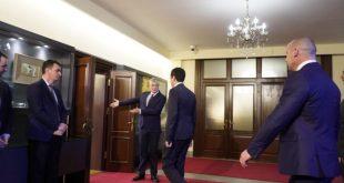 Në këtë javë kryetari i vendit, Hashim Thaçi pritet t'i takojë liderët politikë për të shqyrtuar mundësinë e formimit të një qeverie të re