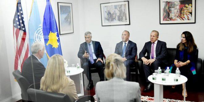 Kryetari i Kosovës, Hashim Thaçi, me delegacionin e tij kanë biseduar me senatorin amerikan, Ron Johnson
