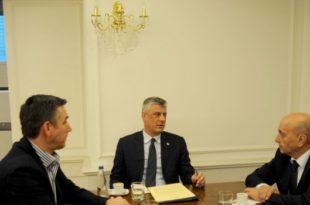 Kryetari, Hashim Thaçi, bisedoi me kryekuvendarin, Kadri Veseli dhe kryeministrin Isa Mustafa