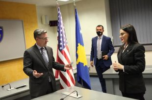 Ministrja Haradinaj-Stublla takohet me Robert Greenway, flasin për formalizimin e njohjes nga Izraeli