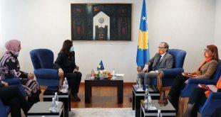 Kryeministri Hoti, ka takuar sot përfaqësueset e Grupit të Grave Deputete të Kosovës