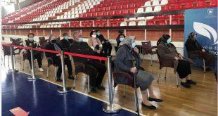 Deri në mesditë sot janë vaksinuar kundër virusit korona 170 perona të moshës 75 - 79 vjeç në Prishtinë