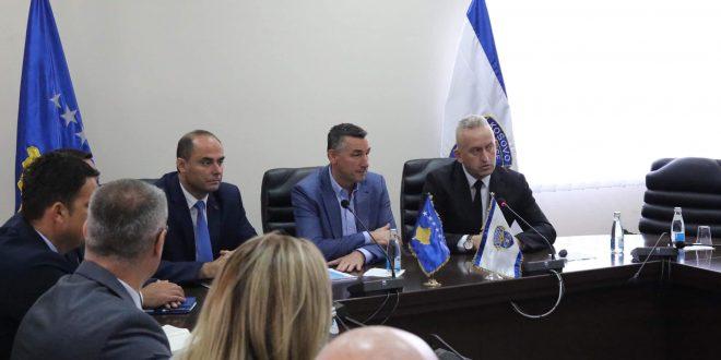 Kryetari i Kuvendit të Kosovës, Kadri Veseli, ka vizituar gjatë ditës se sotme drejtuesit e Policisë së Kosovës