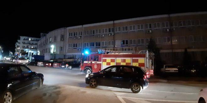 Pas mesnatës një zjarr ka rënë në Gjykatën Themelore të Pejë ku ka shkaktuar dëme të konsiderueshme materiale