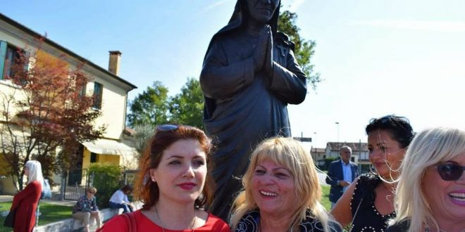 Vitore Stefa-Leka: Në Trevizo të Italisë inaugurohet statuja e Nënë Terezës