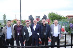 Bekim Jashari: Qoftë i përjetshëm kujtimi për dëshmorët e kombit Malush Ahmeti dhe Faik Goxhuli
