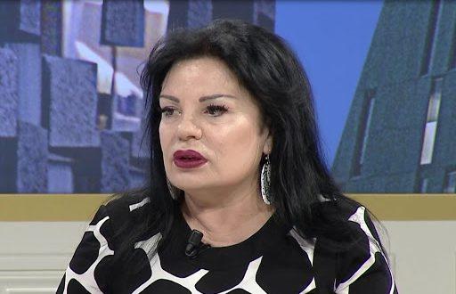 Albert Z. Zholi: Flet këngëtarja e mirënjohur, Liliana Kondakçi, 7 herë fituese e çmimit të parë në festivalet në RTSH
