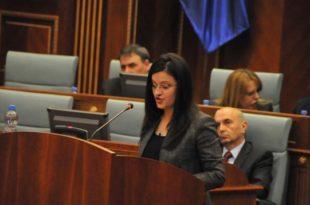 Valdete Bajrami kërkoi të votohet mocioni për rrëzimin e Qeverisë së koalicionit PDK-LDK