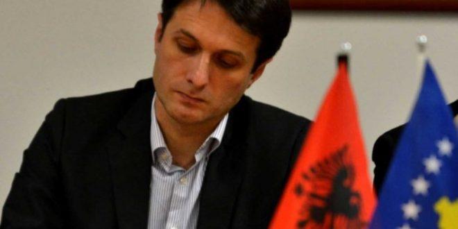 Valon Murati, thotë se Kuvendi i Kosovës nuk guxon ta heq nga tryeza e bisedimeve Kosovën Lindore
