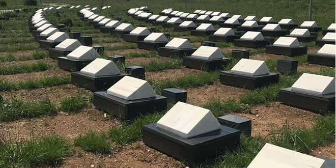 Sot fillon procesi i rivarrimit të Dëshmorëve të ZO të Drenicës nga varrezat e fshatrave të ndryshme në Marinë