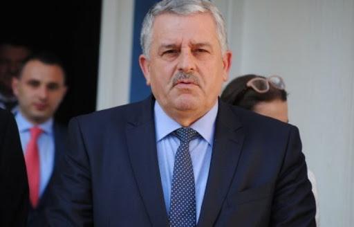 Agim Veliu: Vjosa Osmani ka keqpërdorur besimin e partisë dhe elektoratit