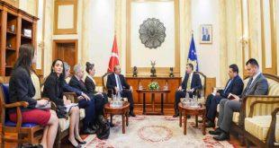 Çavusoglu: Turqia përcjell me vëmendje zhvillimet në Kosovë dhe do të ofroj përkrahje edhe në të ardhmen