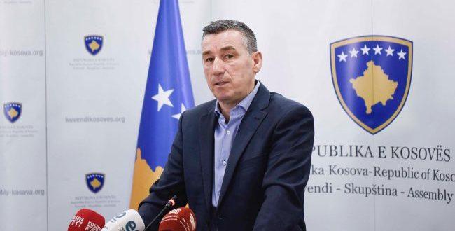 Kadri Veseli: Taksa ishte vendim i duhur i Kosovës, duhet të suspendohet për shkak se po kërkon presidenti D. Trump