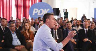 Kryetari i Partisë Demokratike të Kosovës, Kadri Veseli, ka takuar sot strukturat e reja të kësaj partie në Shtime