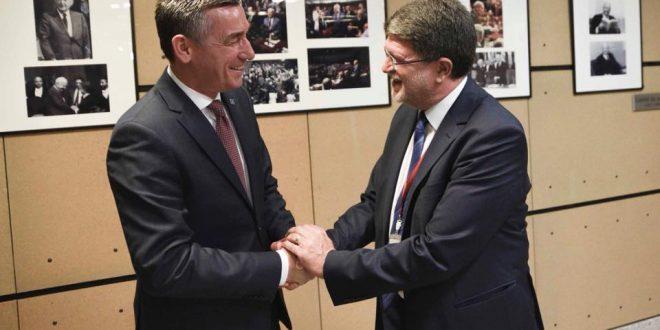 Kryekuvendari Veseli ka zhvilluar takime të ndara me eurodeputetë të forcave të ndryshme politike